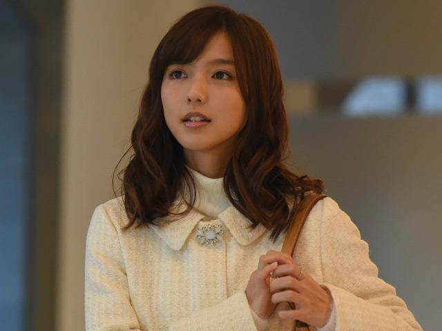 ファッションモデルの真野恵里菜さん