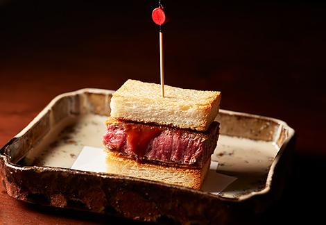 """肉割烹の""""カツサンド""""が絶品!贅沢な和牛尽くしのコースが凄かった!"""