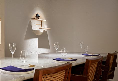 西麻布の邸宅で過ごすような新店イタリアン!本物のアートと器に囲まれる優雅な夜を