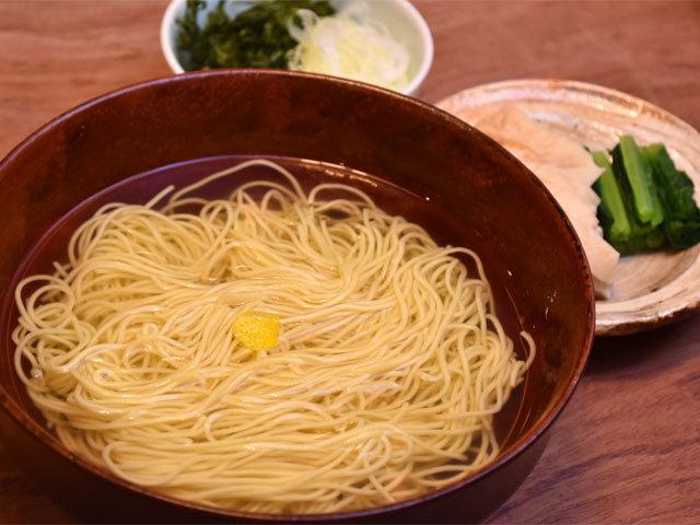 神楽坂の澄まし麺は限りなく上品...