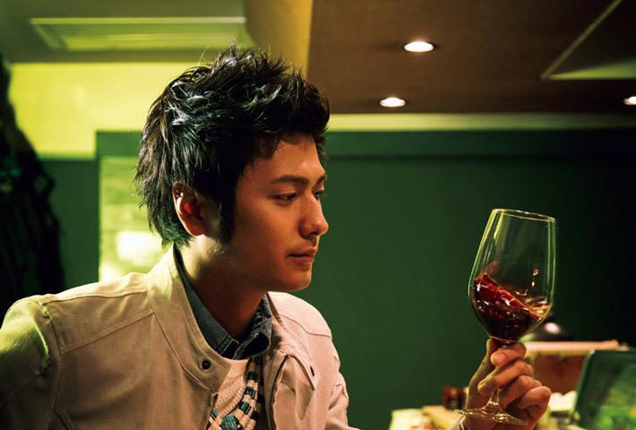ワインと速水もこみち。